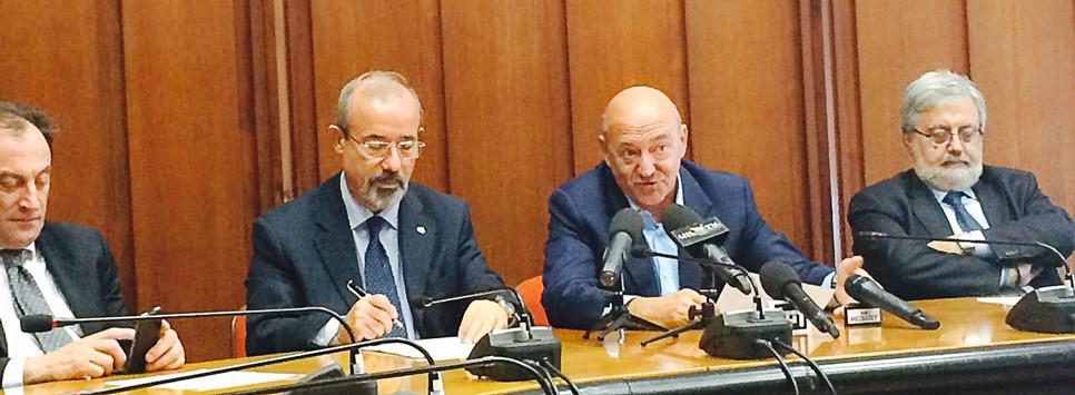 Consiglio Confederale UIL: Angeletti rimette mandato, Barbagallo candidato alla successione