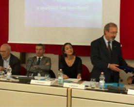 Riunione Responsabili degli Uffici H, Barbagallo premia il Presidente del comitato paralimpico